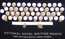 nano_typewriter_hoodie_roll2